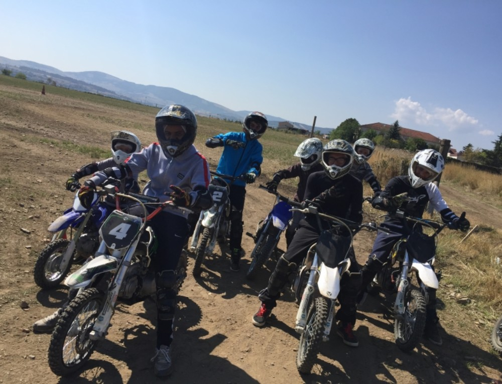 COLONIES DE VACANCES MOTO CROSS